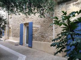 Maison de village du sud en pierre, Cabrières