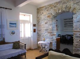 Luxury 100 m2 house in the centre of Naxos