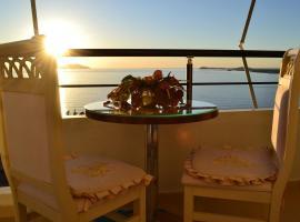 Kela's Seaview Apartment, Vlorë (Ujete e Ftohte yakınında)