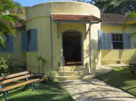 Casa das Cigarras, São Sebastião (Bairro do Barro yakınında)