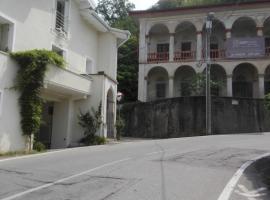 Il Cortile Friendly House, Borgomanero (Nær Gattico)