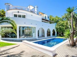 Beautiful exclusive spacious 5*villa with swimming pool