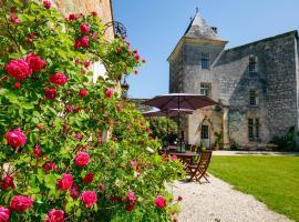 Château médiéval proche de la Dordogne, Сер (рядом с городом Dirac)
