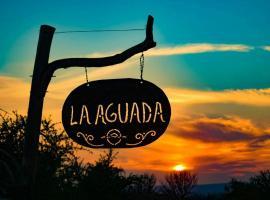Complejo Cabañas La Aguada, La Población (Travesía yakınında)
