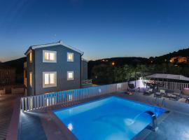 Villa Apartments Blue Dolphin, Марина