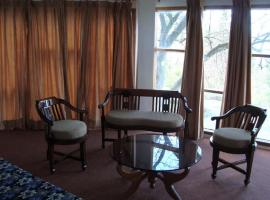 Resort with perfect Nature view, Shimla, Шимла (рядом с городом Kūfrī)