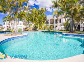 Holiday Home Casablanca at Hope Island Resort