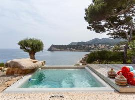 Sea Front Villa with access Mallorca 8 pers
