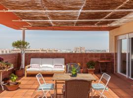 Ático con piscina, gran terraza, AC, 2 hab