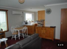 Apartment on Abbott, Burnie (Mooreville Road yakınında)