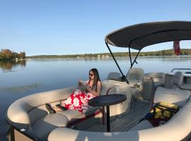 Luxury Zen Style Lakeview Vacation House, Ennismore