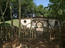 Pod Hollow: Hobbit Home, West Stow (рядом с городом Ingham)