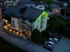 Hotel Central, Agarn