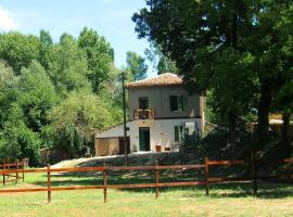 Ca' Perucci, Urbino (Montecalvo in Foglia yakınında)