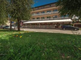 Hotel Macola, Кореница