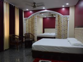 hotel sky bule & restaurant, Khās Nagrota