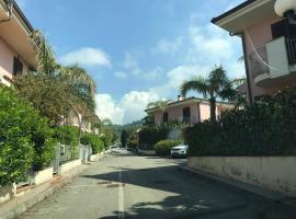 Villa Martina, Acquedolci (Sant'Agata di Militello yakınında)