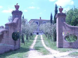 Casale Nido dell'Aquila, Squille (Dugenta yakınında)