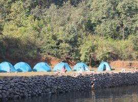 Sahyardri Tourisum Camping, Bhandardara  (рядом с городом Madh)