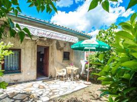 Charming Cottage with Private River Beach, Mostar (Žitomislići yakınında)