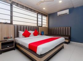 OYO 8069 Hotel Pratiksha Residency