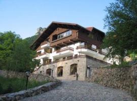 Villa Cherven, Teteven (Bŭlgarski Izvor yakınında)