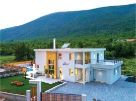 Four-Bedroom Holiday Home in Slivno, Slivno (рядом с городом Marinići)