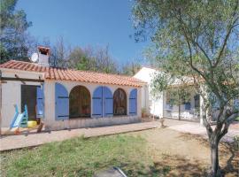 Four-Bedroom Holiday Home in Bagnols en Foret, Bagnols-en-Forêt