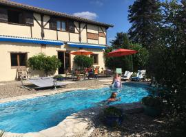 Gite Les Pignons, Roquebrune (рядом с городом Saint-Martin-de-Lerm)