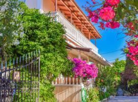 Garden of Eden Apartment, Fiolítis (рядом с городом Agia Marina)