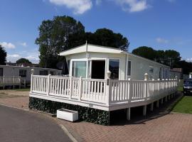 Link Lodge Poplars, Highfield Grange Holiday Park, Little Clacton (рядом с городом Weeley)