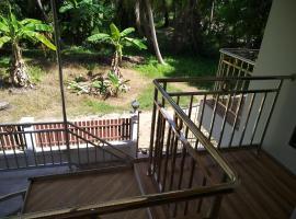 2 floor Villa 250 meters from the beach