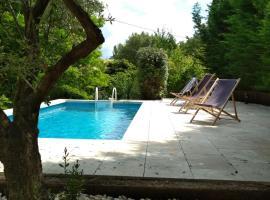 Villa Le Riou, Saint-Martin-de-la-Brasque
