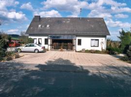 Ferienhaus, Nachtsheim (Lind yakınında)