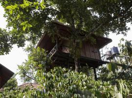 1 BHK Tree house in Thrikkaipetta, Wayanad(AB8D), by GuestHouser, Meppādi