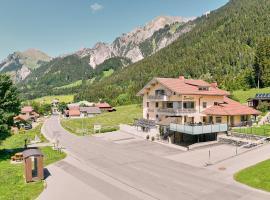 Hotel Garni Stockinger, Klösterle am Arlberg (Wald am Arlberg yakınında)