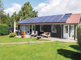 Three-Bedroom Holiday Home in Ega, Egå (Skæring yakınında)