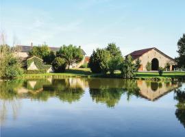 Holiday home St Aubin du Plain GH-1372, Saint-Aubin-du-Plain (рядом с городом Le Breuil-sous-Argenton)