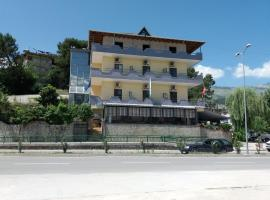 Qiqi Hotel, Gjirokastër (Goranxi yakınında)