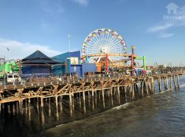 Santa Monica Pier & Beach Apt 11, Los Angeles (Near Santa Monica)