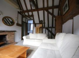 Apartment at Old Butchers Wine Cellar, Cookham (рядом с городом Bourne End)