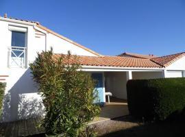 House Agréable maisonette dans résidence avec piscine, La Faute-sur-Mer (рядом с городом Les Mouettes)