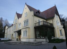 Festetich Kastélyszálló és Zsuzsanna Hotel, Szeleste (рядом с городом Zsédeny)