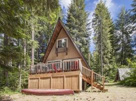 The Simple Life Cabin, Lake Wenatchee