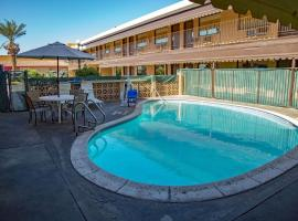 Townhouse Inn and Suites