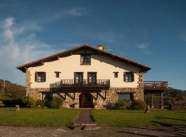 Casa Peluaga