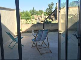 Le Patio du Mûrier, Vers Pont du Gard