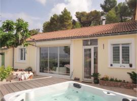 Two-Bedroom Holiday Home in Pierrerue, Pierrerue (рядом с городом Saint-Chinian)