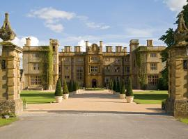Eynsham Hall, Уитни