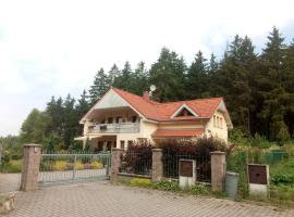 Forest rooms, Nová Role (Děpoltovice yakınında)